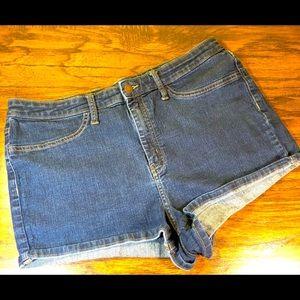 Wild Fable High Rise Denim Shorts Women's size 18